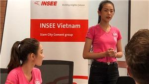 Bất ngờ trước khả năng thuyết trình bằng tiếng Anh của người đẹp Hoa hậu Việt Nam 2018