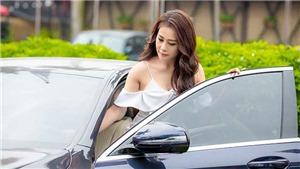 'Quỳnh búp bê' Phương Oanh tự lái xe tiền tỷ dự sự kiện, đáp lại tin đồn chảnh chọe