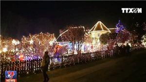 Ngắm những ngôi nhà 'cổ tích' biến hóa trước Giáng sinh