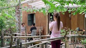 VIDEO 'Gạo nếp gạo tẻ' tập 101: Trinh đưa mẹ chồng lên mạng 'cứu' cơ nghiệp bún đậu gia truyền
