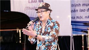 Liveshow '10 năm tái ngộ': Tuấn Vũ hăng say tập luyện, fan bí mật tặng quà