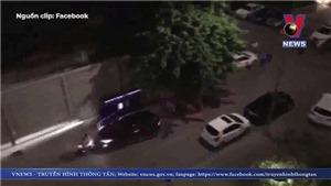 VIDEO: Tài xế tông thẳng ô tô vào 2 người đi xe máy