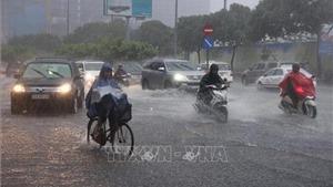 Bắc Bộ đêm có mưa vài nơi, Tây Nam Bộ đề phòng lốc, sét và gió giật mạnh