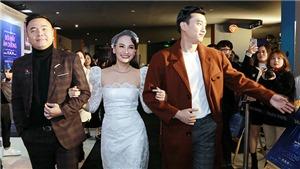 Gia đình 'Về nhà đi con' hội ngộ chúc mừng Bảo Thanh, Quốc Trường ra mắt phim Tết