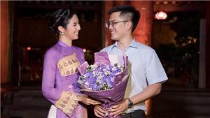 Chồng chưa cưới lần đầu xuất hiện ủng hộ Hoa hậu Ngọc Hân trình diễn áo dài