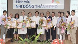 Thành phố Hồ Chí Minh: Sức khỏe cặp song sinh dính liền được tách rời tiến triển tốt