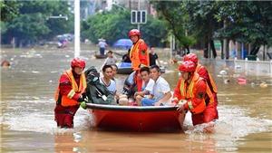 Trung Quốc triển khai hơn 7.000 binh lính hỗ trợ người dân vùng lũ