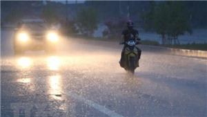 Từ 2-11/8, nhiều khu vực ngày nắng, đêm và sáng mưa, dông, đề phòng thời tiết nguy hiểm