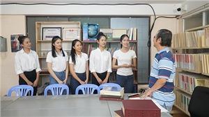 Thí sinh Hoa hậu Việt Nam tri ân người lái đò khiếm thị của mái ấm Thiên Ân