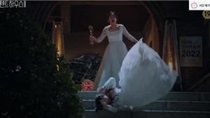 'Penthouse: Cuộc chiến thượng lưu2': Ro Na chưa kịp nhận cúp vàng đã hôn mê