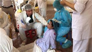 Quặn lòng trước những hình ảnh chân thực được chuyển ra từ tâm dịch Bắc Ninh