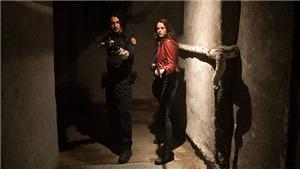 'Resident Evil: Quỷ dữ trỗi dậy' tung trailer xác sống rùng rợn, bám sát trò chơi gốc đình đám