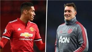 Mourinho quyết thay máu hàng thủ, bán cả Phil Jones lẫn Chris Smalling