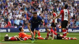 'Trượt tuyết' ghi bàn như Messi, Giroud giờ là ngôi sao của Chelsea