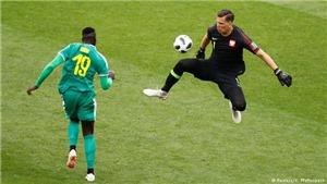 HLV Ba Lan sốc vì bàn thắng 'kỳ quái' của Senegal