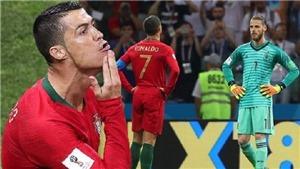 Ronaldo ăn mừng như thể muốn cạo sạch râu của De Gea