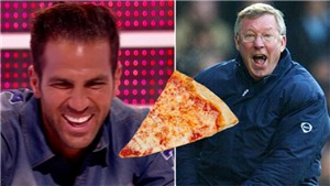 Fabregas nhắc lại vụ 'pizza-gate': 'Bây giờ tôi sẽ không ném pizza mà xông vào đánh nhau'