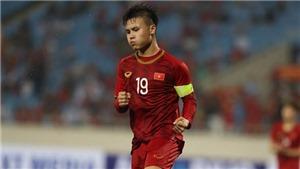 Đội hình ra sân của U23 Việt Nam: Quang Hải đá chính. Đình Trọng dự bị