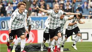 Iniesta giành Siêu Cúp Nhật trong trận đấu có... 9 quả luân lưu liên tiếp hỏng ăn