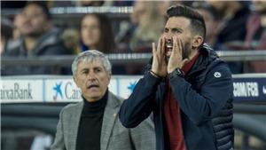 Barca: HLV Setien muối mặt xin lỗi vì trợ lý văng tục với học trò ở 'Kinh điển'