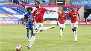 MU: Bruno Fernandes gây tranh cãi với kiểu sút 11m giống Jorginho và Quế Ngọc Hải