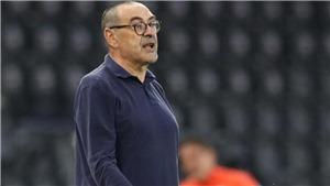 Juventus sa thải HLV Sarri sau khi bị loại khỏi Champions League