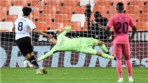 Valencia 4-1 Real Madrid: Soler lập hat-trick penalty khiến Real thảm bại tại Mestalla