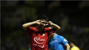 Lee Nguyễn bị so sánh với Văn Quyết sau thẻ đỏ ở trận đấu với Nam Định