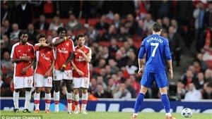 Xem lại siêu phẩm đá phạt của Ronaldo vào lưới Arsenal 12 năm trước
