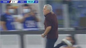 Mourinho chạy khắp sân ăn mừng khi Roma thắng phút bù giờ