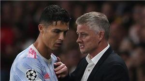 MU: Solskjaer nói về khả năng để Ronaldo dự bị trận gặp Leicester