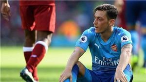 Mesut Oezil đang lãng phí tài năng ở Arsenal