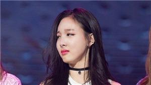 Thông điệp 'cầu xin' của Twice là do kẻ theo lén Nayeon đi chung máy bay
