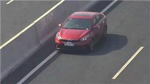 Bị phạt 17 triệu, tước bằng 6 tháng vì chạy xe ngược chiều trên đường cao tốc