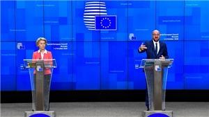 Những cái lắc đầu lạnh lùng và 'đòn cân não' trong màn chốt đàm phán Brexit