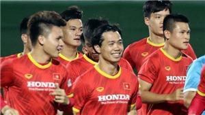 Bóng đá Việt Nam hôm nay: Đội tuyển Việt Nam hứng khởi tập luyện. Văn Thanh chấn thương