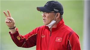 Bóng đá Việt Nam hôm nay: HLV Park Hang Seo gút danh sách đấu Úc. Công Phượng tập cùng U22
