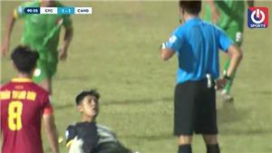 Bóng đá Việt Nam hôm nay: Thủ môn khiêu khích trọng tài bị CLB Cần Thơ 'treo' 2 trận