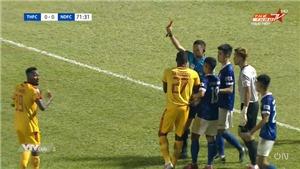 Bóng đá Việt Nam hôm nay: Hoàng Vũ Samson bị treo giò 3 trận vì hành vi thô bạo