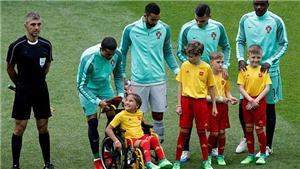Ronaldo phá lưới Nga ở Confederations Cup nhờ một fan 'đặc biệt'