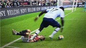 Fan MU đòi bỏ tù cầu thủ Tottenham đá thô bạo với tân binh Daniel James