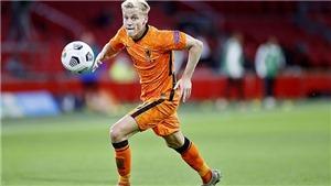 Van de Beek bị Jorginho 'bỏ túi' vẫn được CĐV Ajax tiễn biệt đầy cảm xúc