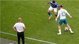 Grealish ra mắt mờ nhạt, mất bóng liên tục, HLV Pep Guardiola vẫn khen ngợi