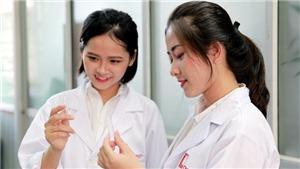 Ngày Phụ nữ Việt Nam: Ai bảo con gái Bách Khoa 'khô như ngói'?