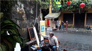 Các họa sĩ từ Đà Lạt, Hà Nội đến vẽ tại Hội An mừng Noel và năm mới 2021