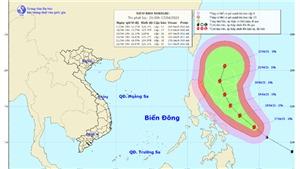 Siêu bão Surigae mạnh cấp 17 gần biển Đông
