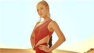Hoa hậu Khánh Vân khoe vóc dáng nóng bỏng trênđồi cát