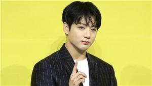 Jungkook trông trẻ lại tới vài tuổi khi cắt tóc ngắn cho buổi họp báo 'Butter'