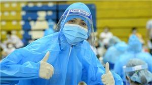 Hoa hậu H'Hen Niê tham gia đội tình nguyện hỗ trợ tiêm vaccine phòng Covid-19