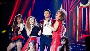 Tập 11 'Tuyệt đỉnh song ca': 'Mê trai đẹp', Minh Tuyết đòi 'chiếm' sân khấu của học trò Dương Triệu Vũ
